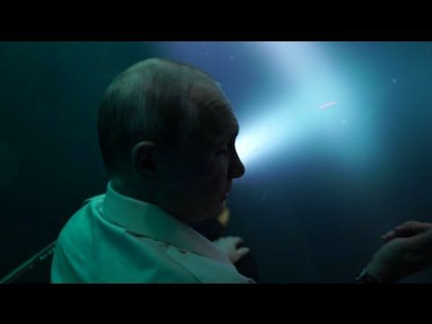 RAW: Putin plunges to the bottom of Black Sea in bathyscaphe