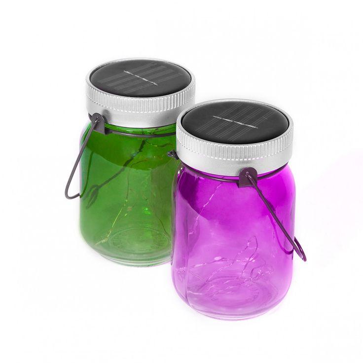 De set van 2 Fairy Jars inmaakpotten op zonne-energie met leds veranderen elk feest in een sprookjesachtige nacht.