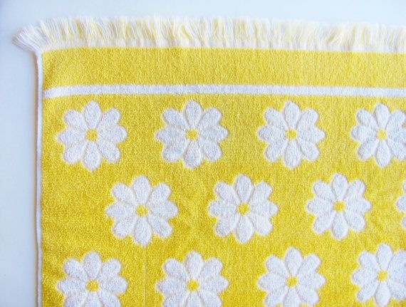 Vintage Bath Towels Yellow And White Daisy Cotton Martex