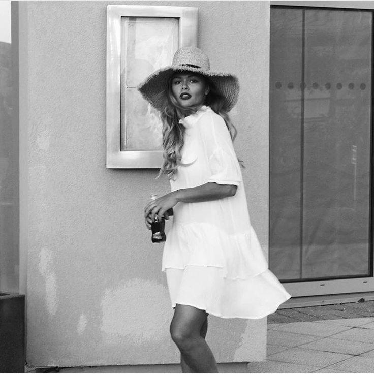 114 best Liza Owen images on Pinterest | Fashion styles, Feminine ...