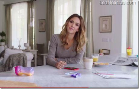 En video: Jessica Alba y Gwen Stefany lo mostraron sin pudor - http://www.leanoticias.com/2012/11/16/en-video-jessica-alba-y-gwen-stefany-lo-mostraron-sin-pudor/