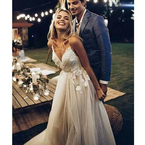 LORIE Boho Wedding Dress 2019 Appliqued with Flowers Tulle A-Line Sexy Backless Beach Bride Dress Wedding Gown