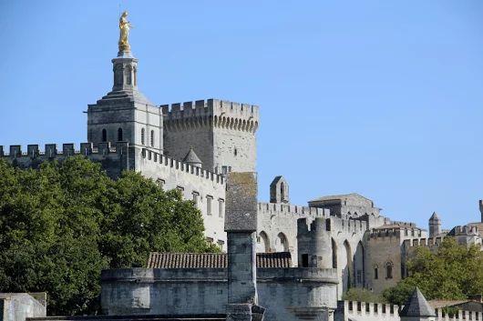Cuando el Papa no vivía en Roma- El Palacio Papal de Aviñón   A un clic de la…