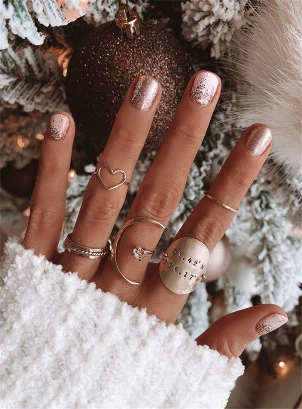 Short nails have a lower requirement on nails and will not have any impact on daily life and learning. We have prepared 33 short nails designs for you in 2020, hope you will like and try it!  #shortnails#acrylicnails#2020nails