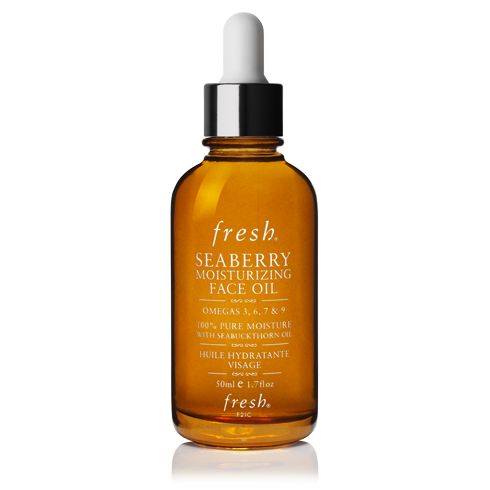 Dallas' Skincare Regimen: Apply 2-3 drops of Seaberry Moisturizing Face Oil for hydrated, dewy skin.