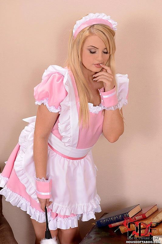 Lesben in Dienstmädchen Outfits
