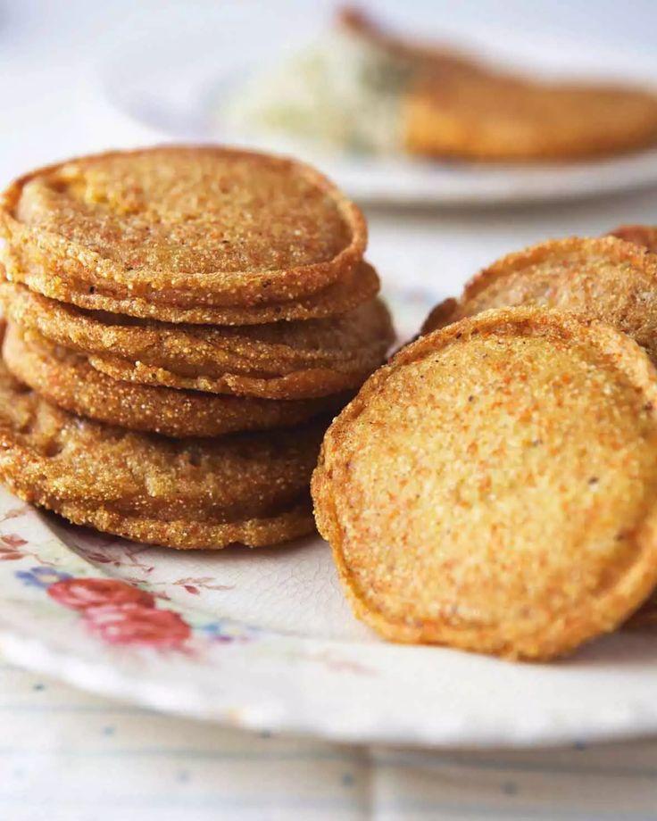 Cornmeal griddle cakes recipe hoe cakes food corn cakes