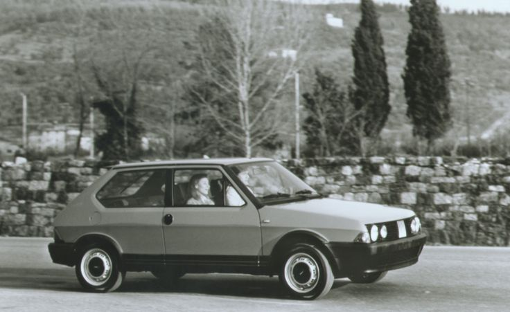 Fiat Strada - O modelo era comercializado como Fiat Ritmo no mercado norte-americano e britânico