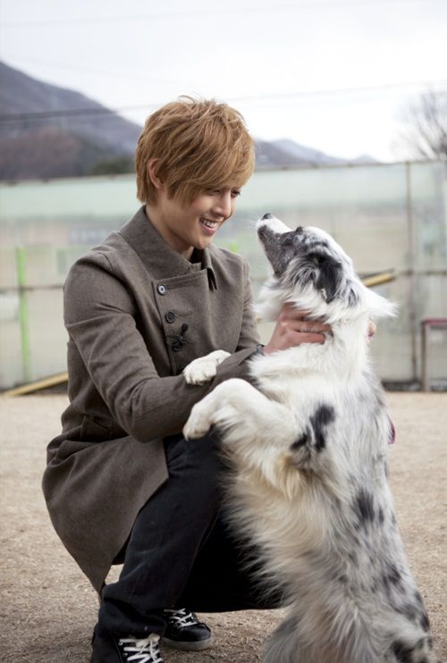 Kim Hyun Joong breaks first day record for most Weibo followers