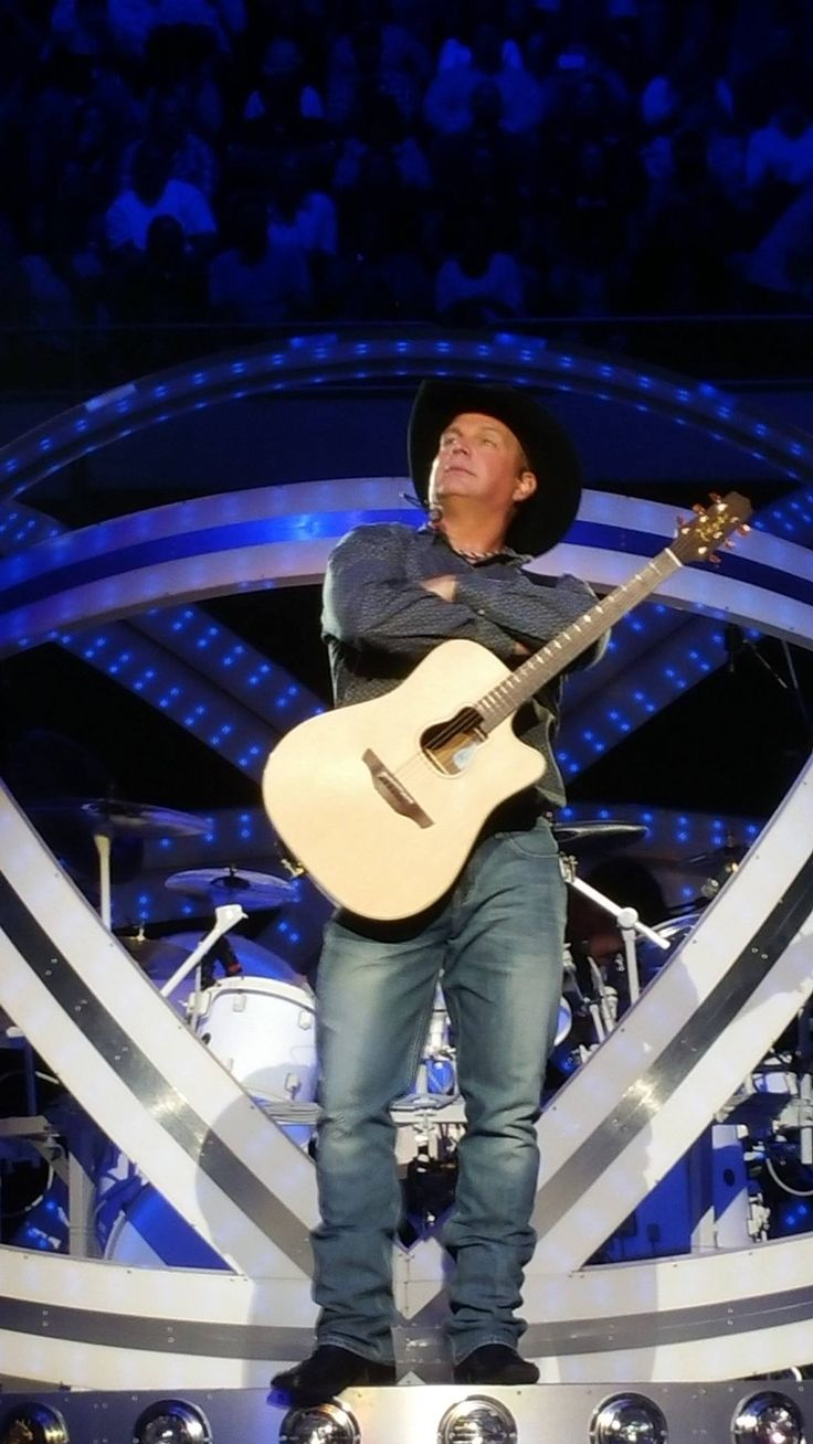 My Entertainer of the Year Garth Brooks!!!! This Garth Angel can't wait until 2016!!!!! Angels in Sunrise, Florida.