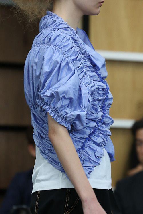 [No.7/70] tricot COMME des GARÇONS 2013春夏コレクション   Fashionsnap.com
