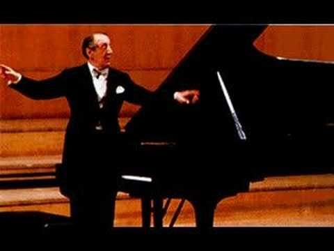 Nothing lulls me into reverie quite like this piece... Horowitz plays Chopin: Fantasie-Impromptu Op. 66