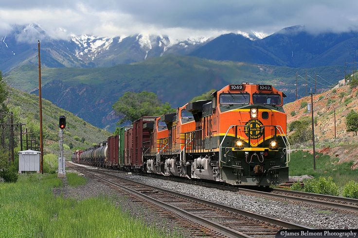 https://flic.kr/p/VeiY2o | BNSF Railway in Spanish Fork Canyon | A BNSF Railway Stockton, California to Denver, Colorado manifest freight exercises trackage rights on the former D&RGW through Utah's Spanish Fork Canyon on June 7, 2008.