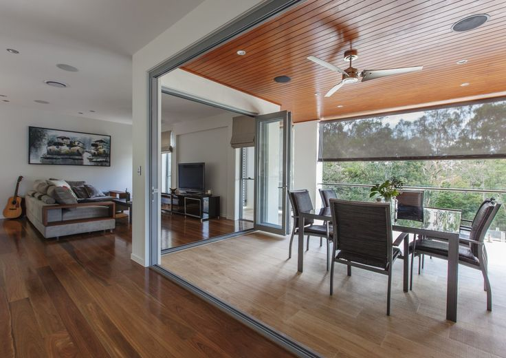 http://www.galahomes.com.au/project-gallery/custom-homes/fig-tree-pocket-brisbane-qld