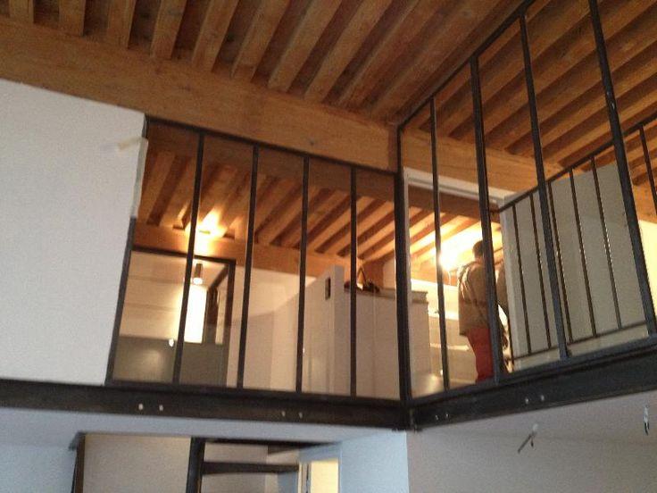 fabricant cr ation d 39 une mezzanine en acier brut avec escalier cage carr e et verri re. Black Bedroom Furniture Sets. Home Design Ideas