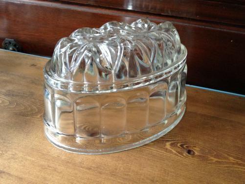 イギリスアンティーク ガラスのゼリーモールド D12