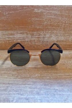 Black Sunglasses with gold metallic detail