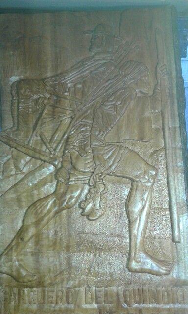 Talla de carguero indígena (Quimbaya) en madera de Comino.