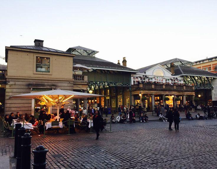 "31 Likes, 1 Comments - Chang Kang (@5g90_cm) on Instagram: ""런던 감성의 마켓 #coventgarden #london  #런던 #코벤트가든 #저녁 #마켓 #영국 #여행  #영국여행 #사진 #england #travel #photo  #일상…"""