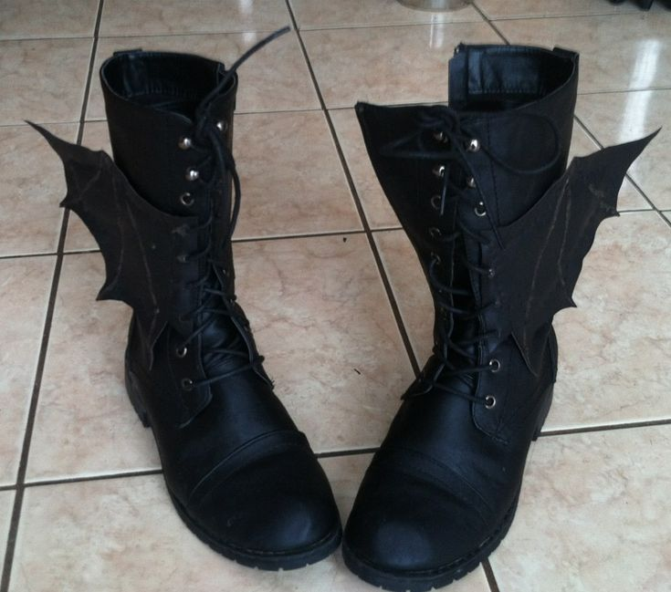 "z-addict: "" I made my sister some bat wings for her boots as a late Christmas present! I think they came out pretty good! """