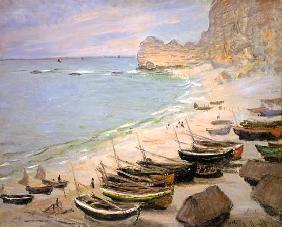 Barche sulla spiaggia di Etretat.