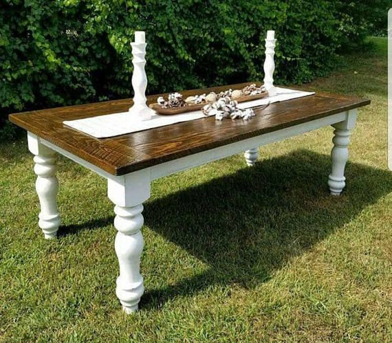 Georgeous Farmhouse Table With Your Choice Of Thick Or Thin Turned