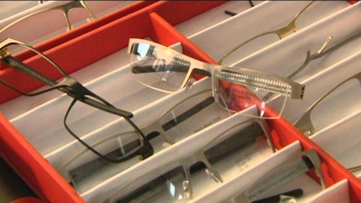 Claus Bellinger, brilledesigner, fortæller hvordan Bellinger House designer briller til de 2 brands Bellinger - Innovative danske designer briller og Blac - kulfiber briller der bliver håndlavet i Danmark.