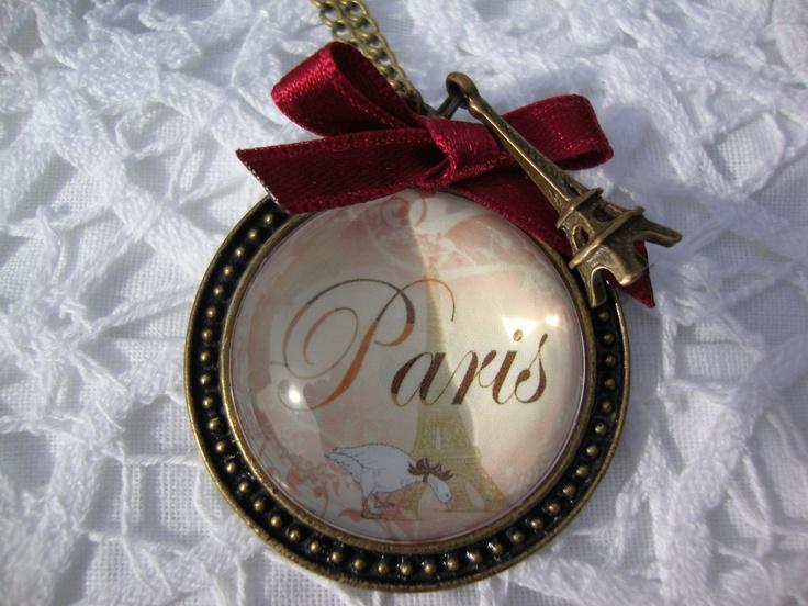Lindo collar camafeo inspirado en la hermosa ciudad de París.