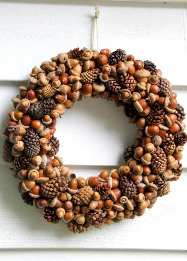 Make This: DIY Acorn and Pinecone Wreath | HGTV >> http://www.hgtv.com/design-blog/how-to/15-fall-diys-using-things-from-your-backyard?soc=pinterest
