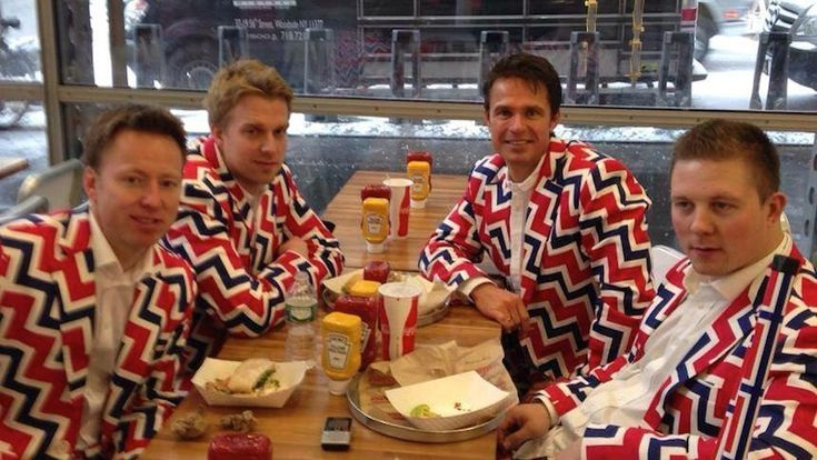 Les norvégiens n'ont pas peur de faire des tâches sur leur costume officiel pour les Jeux Olympiques d'hiver !