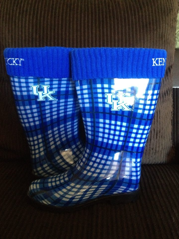 My new UK WILDCAT rain boots love them can't wait for rain now