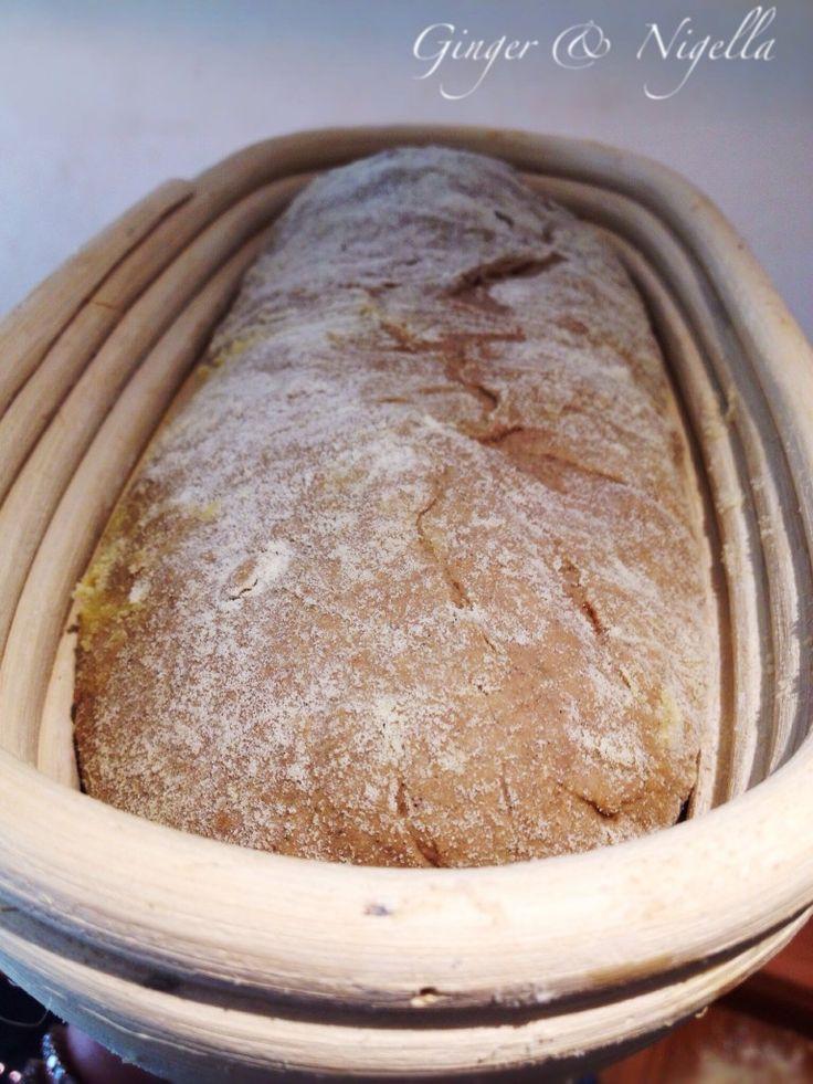 Pane nero con lievito madre