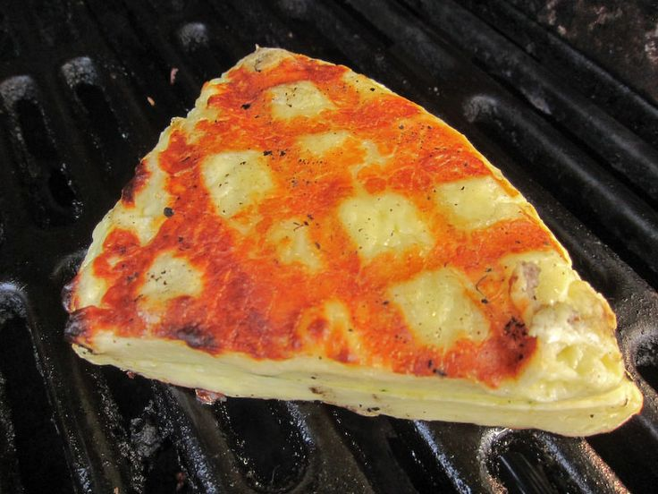 Hot damn I really want to get into cheese making // MAking Halloumi Cheese