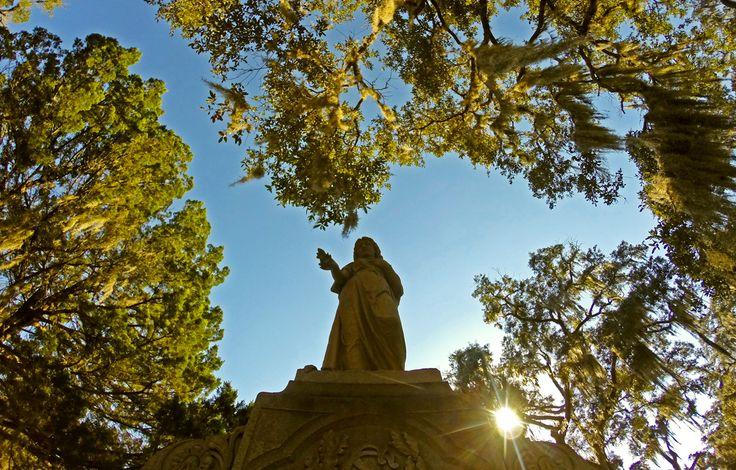 statue in Bonaventure cemetery