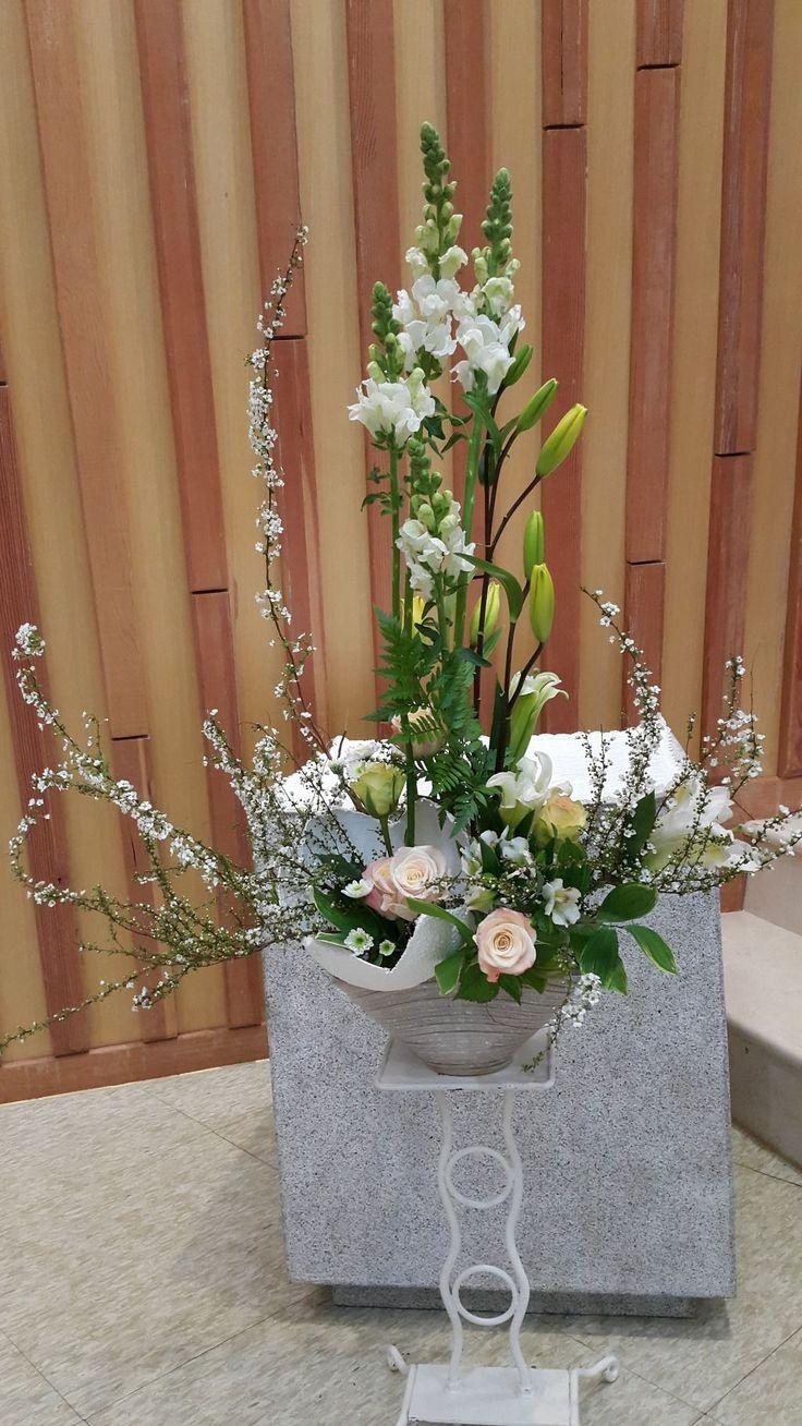 성모병원 부활꽃꽃이는 시간이 안맞아 성금요일 밤에급하게했네요 #adornosflorales