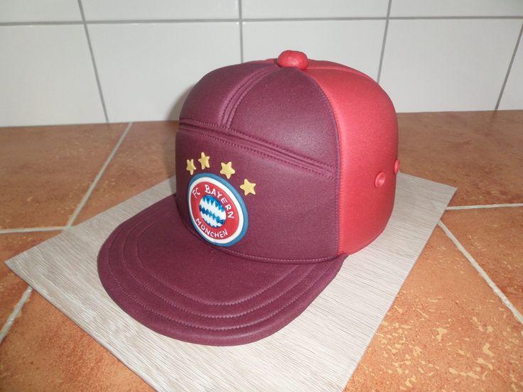 dort - kšiltovka FC Bayern / cake - cap FC Bayern