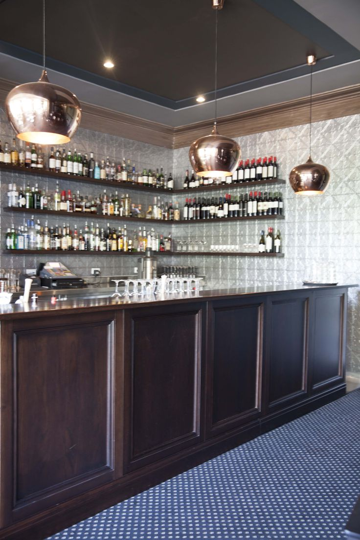 Hotel Canobolas Chesterfields Whiskey & Wine Bar