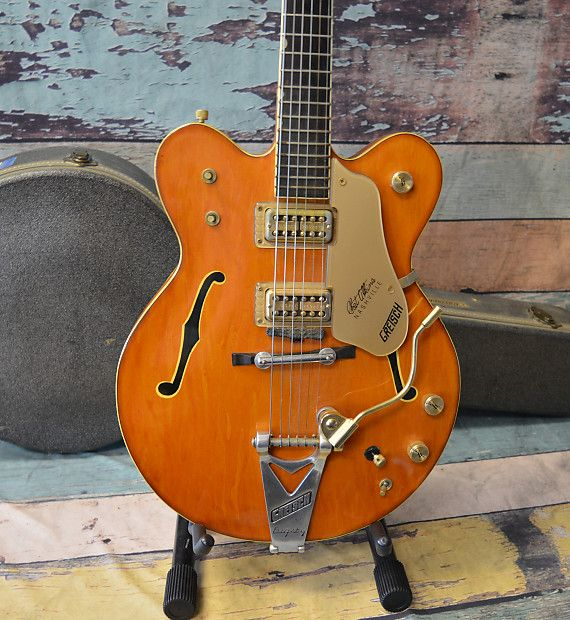 Co-designed with the guitarist's guitarist, Chet Atkins, the venerable 6120 is one of the most widely heard Gretsch instruments. The 6120 Chet Atkins Nashville Hollow Body with Bigsby stays true to the original design and astounding classic aesthetics. A veritable tonal multi-tool, this hollow b...