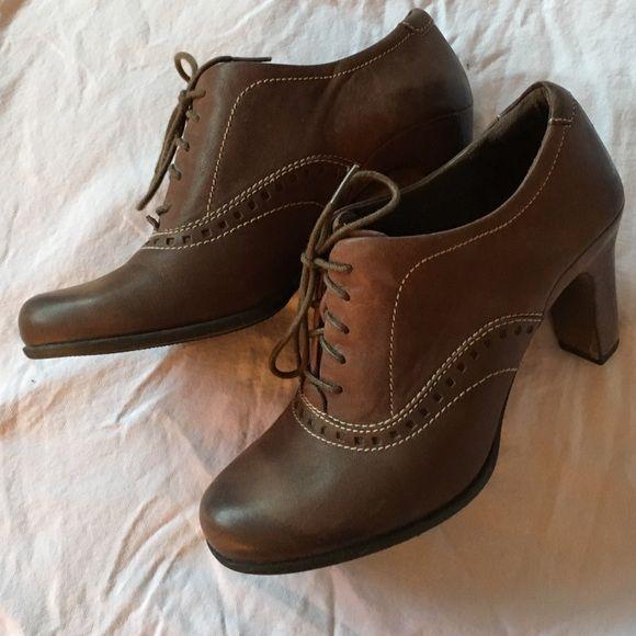 Ecco Shoes - Ecco brown oxfords size 40