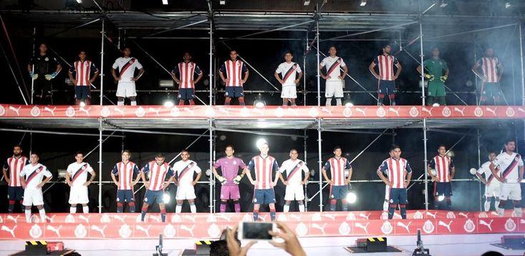 En un espectacular evento Puma presentó el nuevo uniforme de Chivas para el año futbolístico que inicia con el Torneo de Apertura 2016.