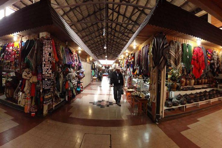 Si estas pensando en viajar al sur de nuestro país, un lugar que no puedes dejar de conocer es Temuco, conocido por ser la entrada a la zona lacustre de la Novena Región (Villarrica y Pucón), esta ciudad tiene mucho más para ofrecer. Una ciudad llena de historia, cultura y gastronomía ...