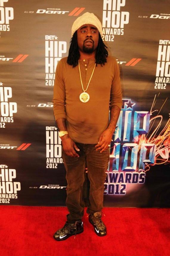 88d4c fbdba  great fit celebrity sneaker watch the dream flips off paparazzi  in jordan son of mars 67c0a ... c3f859795d75