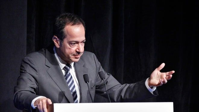John Paulson Slashes Bonuses at Hedge Fund After Dismal 2016 -  Hedge fund impresario John Paulson, struggling from investment losses and investor outflows in 2016, has drastically slashed bonuses to top executives at his once high-flying investment firm, the Fox Business Network has learned.