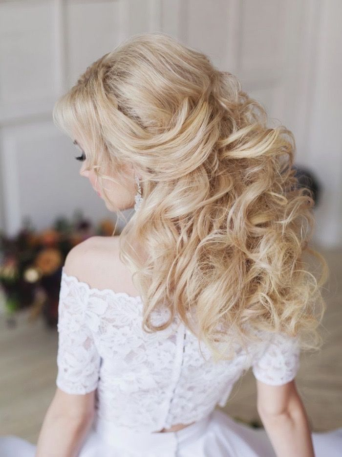 Glamorous Wedding Hairstyles; Click to see more gorgeous styles. Featured: Elstile