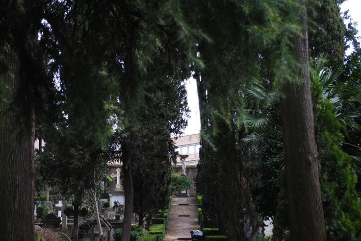 The Achatolic Cemetery in Rome is the proof that Romans are not all Christian!