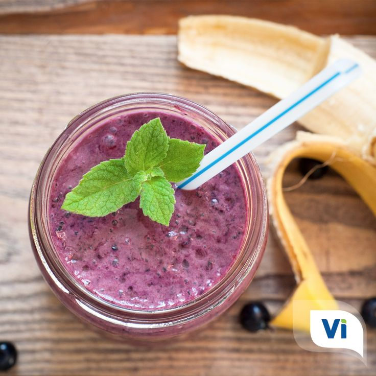 Learn how to make the perfect gut soothing smoothie!!View the full recipe here!#Smoothie #Smoothies #SmoothieRecipe #Recipe #Gut #HealthyGut #GutHealth #DigestiveHealth #ChronicIllness #InvisibleIllness #Blueberry #Banana #IBD #Crohns #Colitis #UlcerativeColitis #Nutrition #Healthy #Health