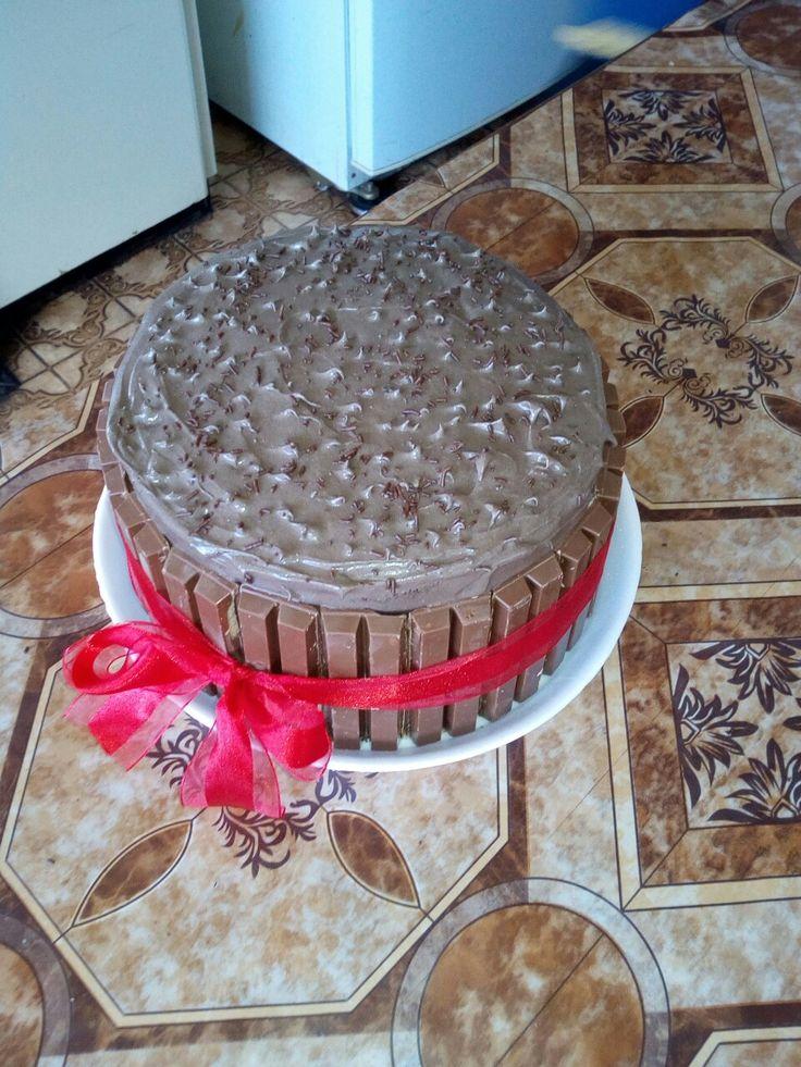 simple kitkat cake