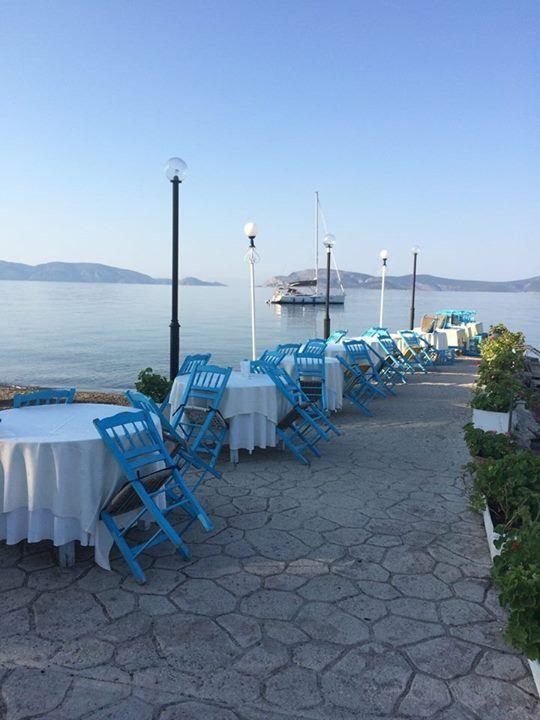 """Taverna (""""Koulis"""") by the sea in Pigadia Ermionidas (Peloponnese)"""