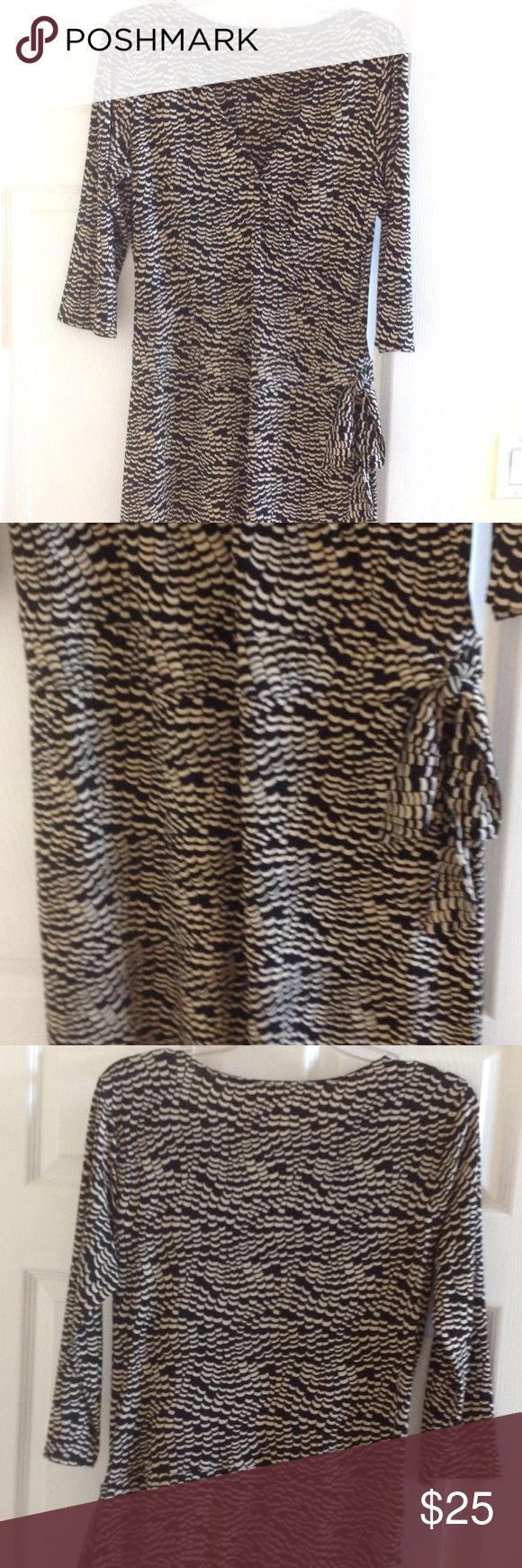 Versatile max studio wrap dress Perfect dress for work and you can definitely dress it up for a night outing. Perfect condition. Label is cut however it is authentic max studio dress. Max Studio Dresses Midi