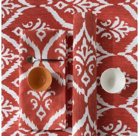 Ikat Print Coral/White Tablelinen sourced by Ornella Botter Interiors.